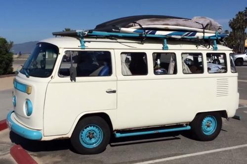 microbus kombi hippie van