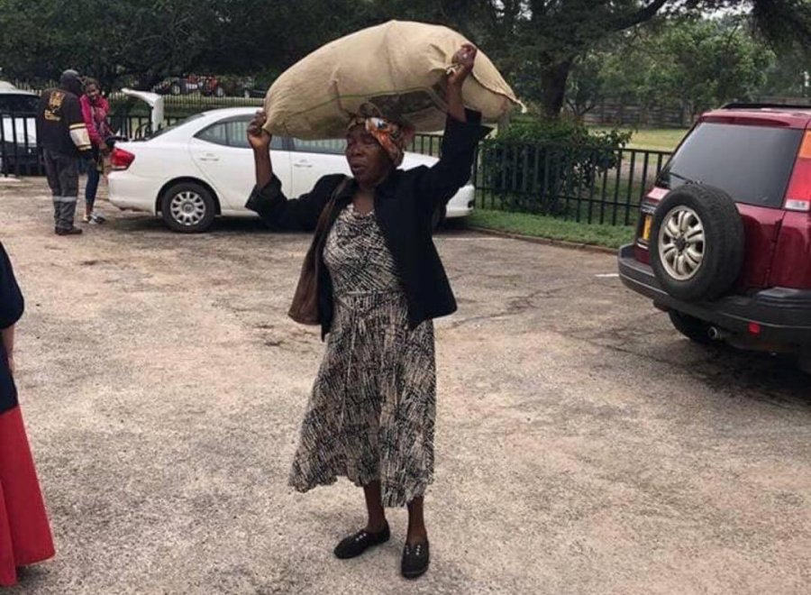 Gogo walks 3km to donate